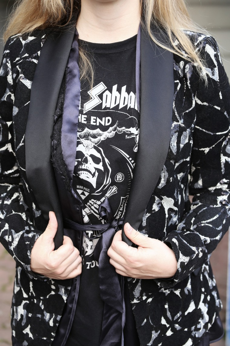 How-to-wear-statement-pieces-more-often-styling-ideas-sequin-blazer-black-sabbath-band-shirt-Louis-Vuitton-denim-4