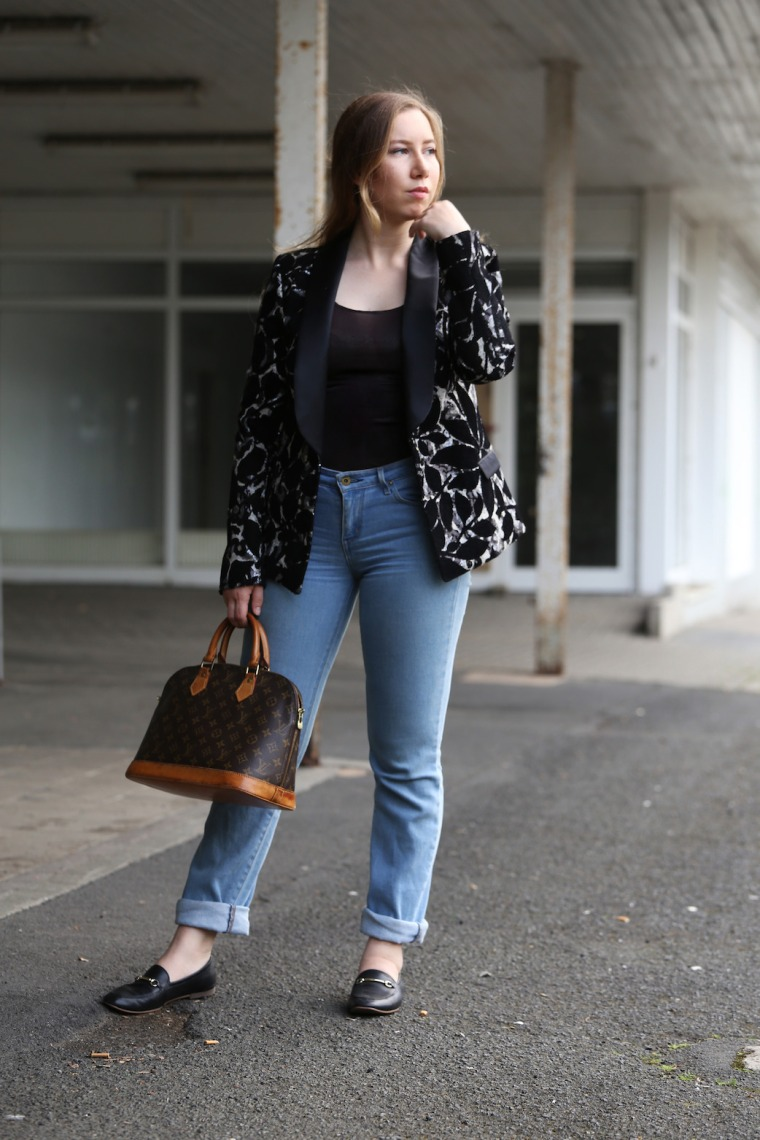 How-to-wear-statement-pieces-more-often-styling-ideas-sequin-blazer-black-sabbath-band-shirt-Louis-Vuitton-denim-6