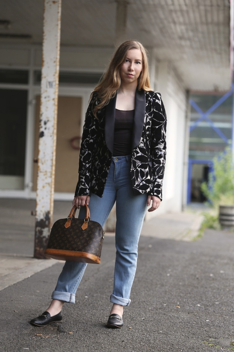 How-to-wear-statement-pieces-more-often-styling-ideas-sequin-blazer-black-sabbath-band-shirt-Louis-Vuitton-denim-7