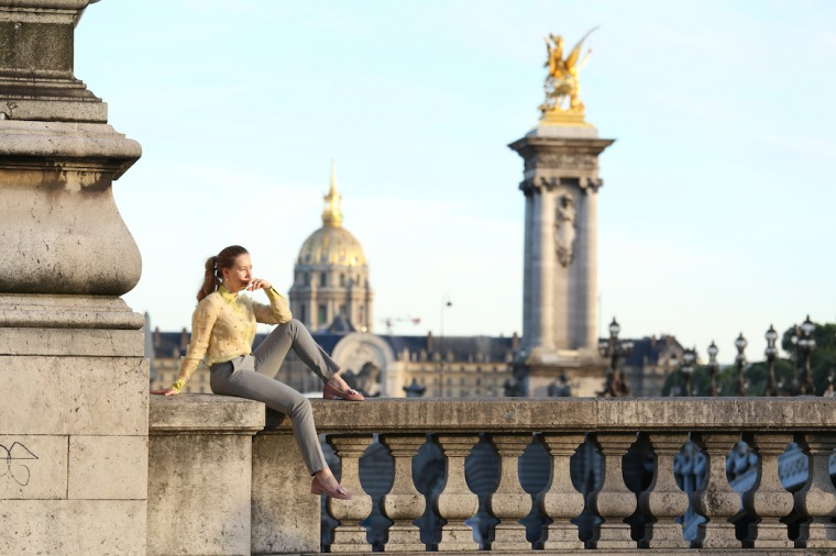 Secrets-de-parisienne-grey-suit-gold-green-vintage-blouse-sequin-shirt-rose-loafer-parisian-editorial-shooting-paris-insider-tips-travel-guide-LivinglikeGolightly