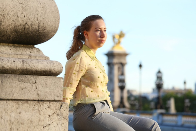 Secrets-de-parisienne-grey-suit-gold-green-vintage-blouse-sequin-shirt-rose-loafer-parisian-editorial-shooting-paris-insider-tips-travel-guide-LivinglikeGolightly (7)