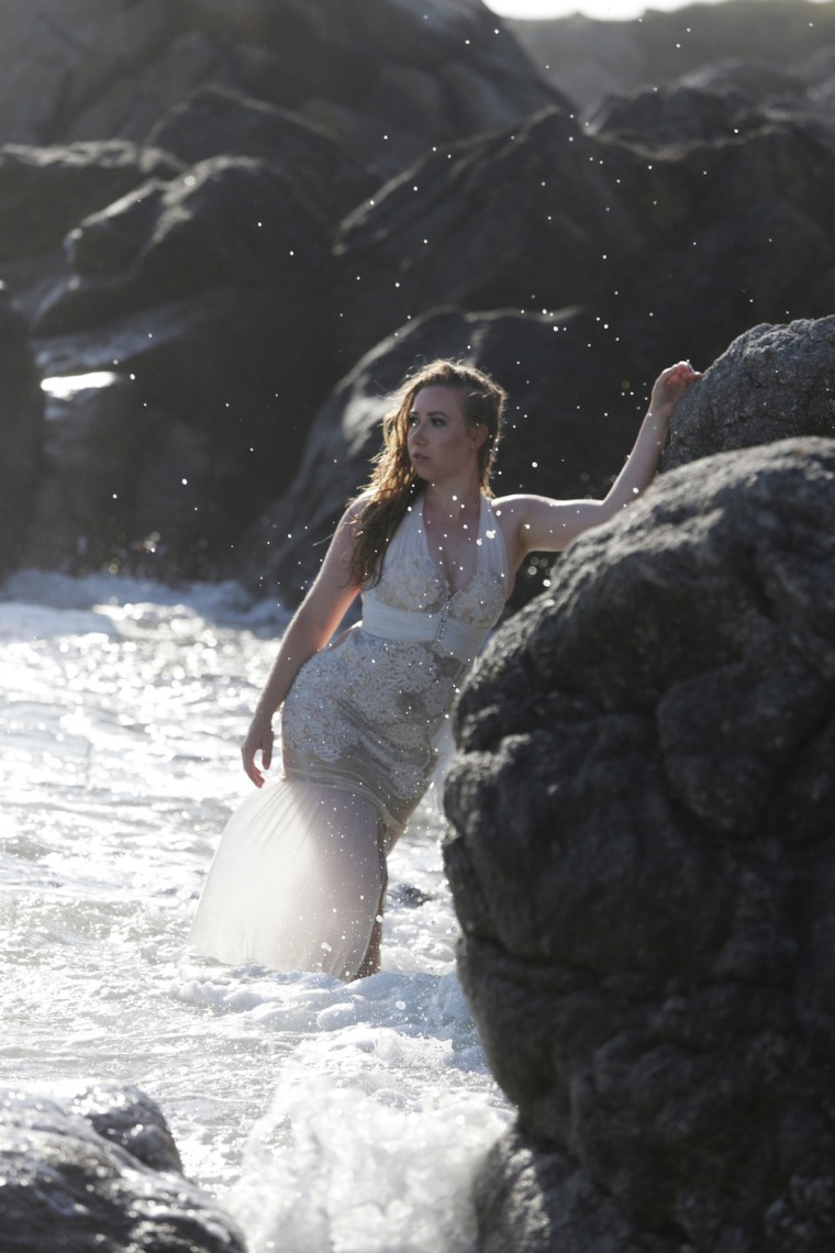Mermaid-The-fashion-Editorial-Shooting-I-always-wanted-brida-photography-at-the-beach-and-ocean (12)