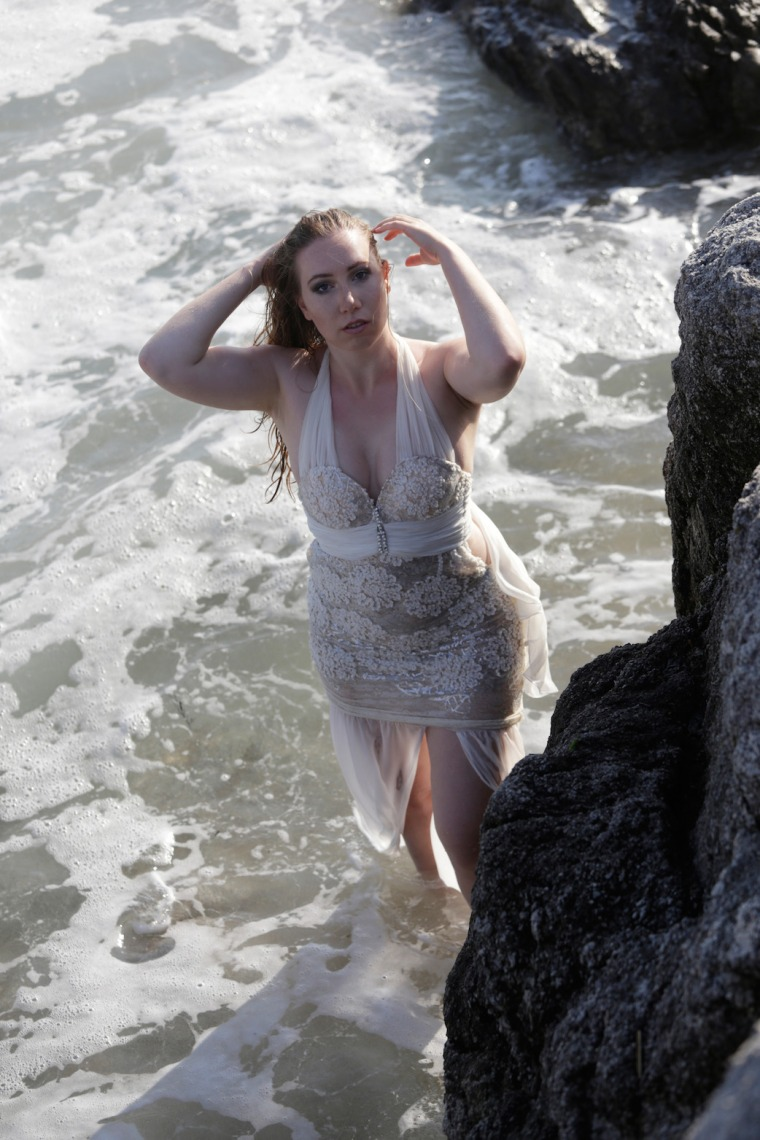 Mermaid-The-fashion-Editorial-Shooting-I-always-wanted-brida-photography-at-the-beach-and-ocean (13)