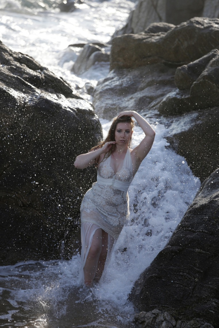 Mermaid-The-fashion-Editorial-Shooting-I-always-wanted-brida-photography-at-the-beach-and-ocean (14)