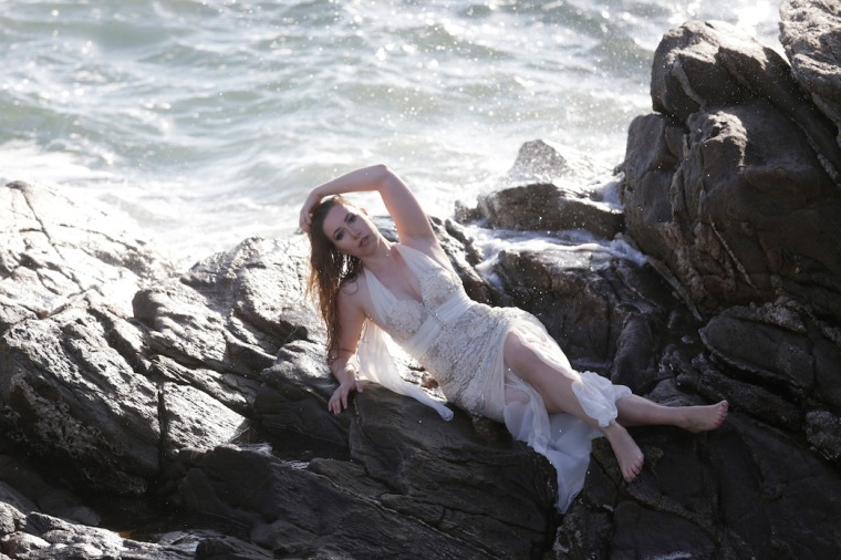 Mermaid-The-fashion-Editorial-Shooting-I-always-wanted-brida-photography-at-the-beach-and-ocean (18)