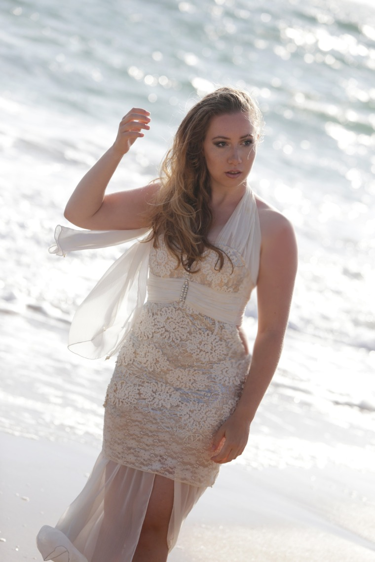 Mermaid-The-fashion-Editorial-Shooting-I-always-wanted-brida-photography-at-the-beach-and-ocean (2)