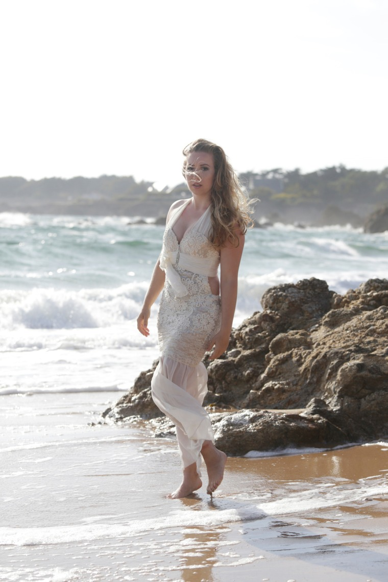 Mermaid-The-fashion-Editorial-Shooting-I-always-wanted-brida-photography-at-the-beach-and-ocean (4)