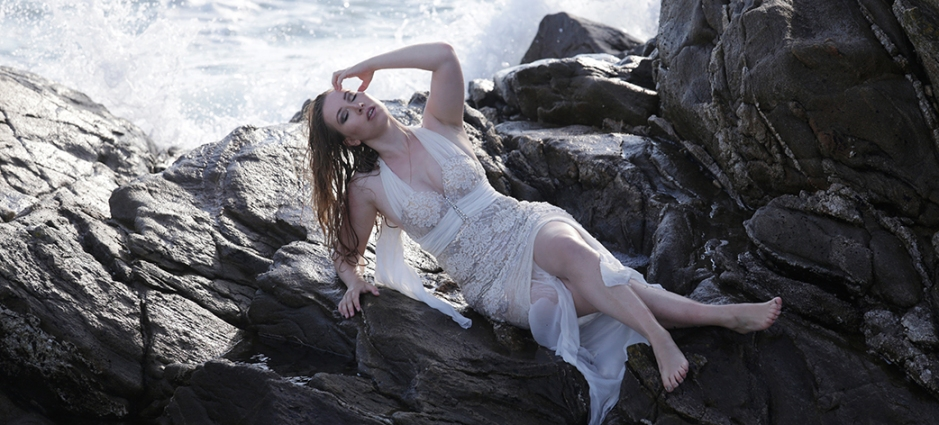 Mermaid-The-fashion-Editorial-Shooting-I-always-wanted-brida-photography-at-the-beach-and-ocean