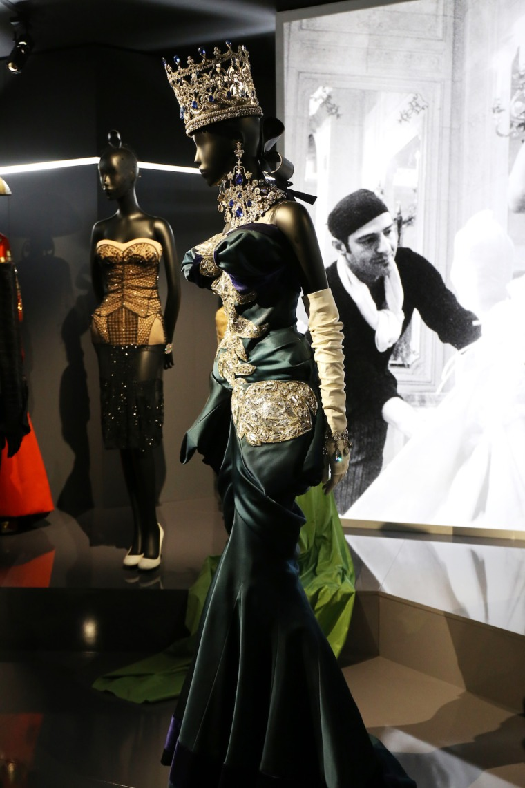 Christian-Dior-Couturier-du-reve-exhibition-Designer-of-dreams-Musee-des-arts-decoratifs-Paris-with-John-Galliano-Maria-Grazia-Chiuri-calendar-best-fashion-exhibitions-of-201 (21)