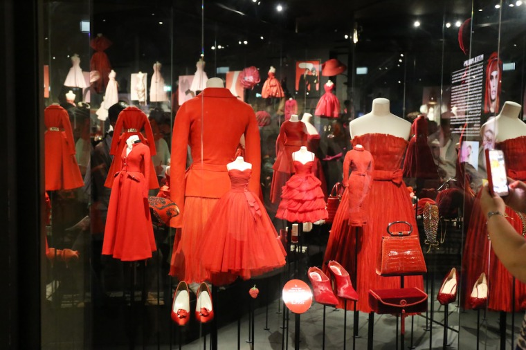 Christian-Dior-Couturier-du-reve-exhibition-Designer-of-dreams-Musee-des-arts-decoratifs-Paris-with-John-Galliano-Maria-Grazia-Chiuri-calendar-best-fashion-exhibitions-of-201 (26)