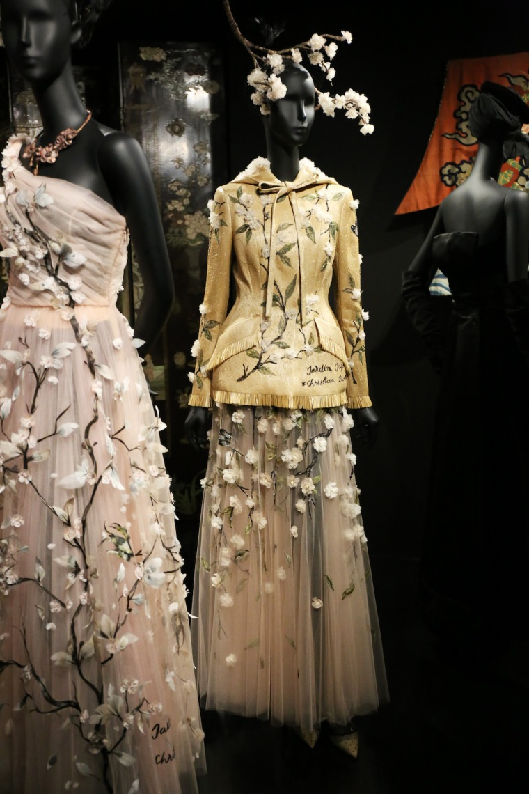 Christian-Dior-Couturier-du-reve-exhibition-Designer-of-dreams-Musee-des-arts-decoratifs-Paris-with-John-Galliano-Maria-Grazia-Chiuri-calendar-best-fashion-exhibitions-of-201 (29)