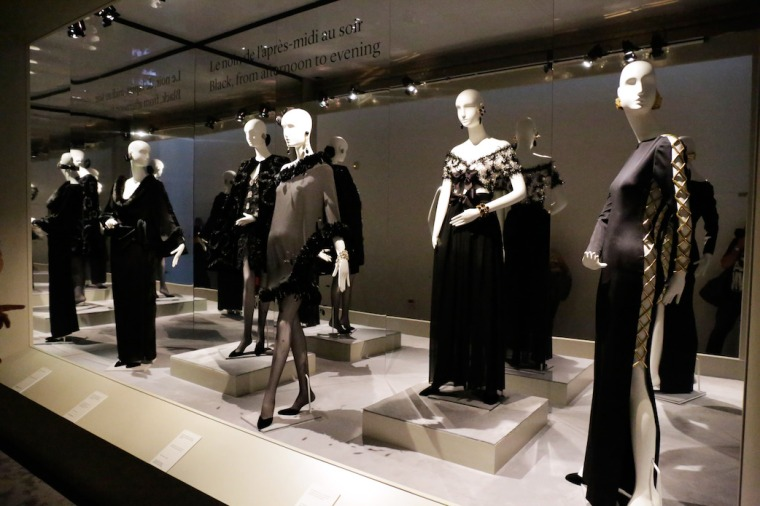 Hubert-de-Givenchy-retrospective-on-the-french-couturier-everything-about-his-life-style-and-achievements-fashion-history-exhibitions-Audrey-Hepburn