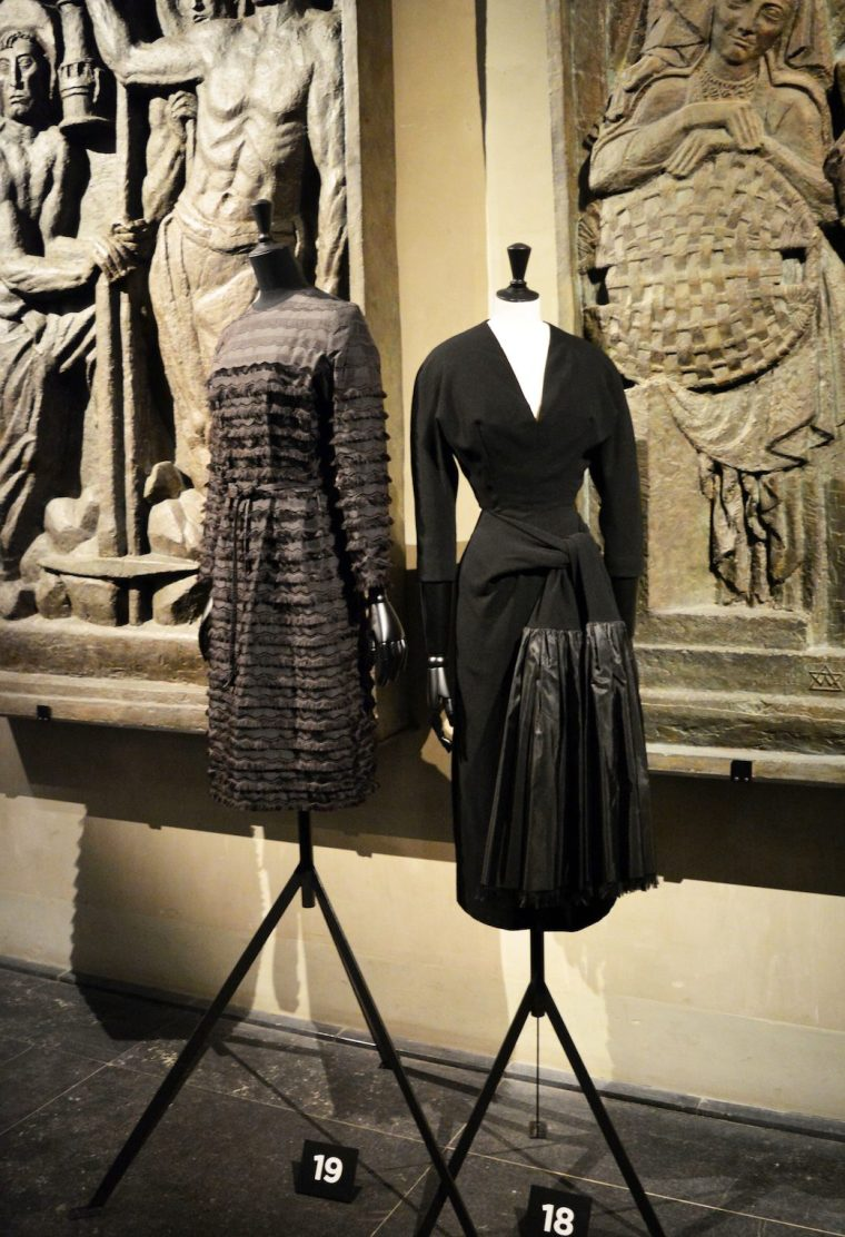 Fashion-exhibition-Review-Cristóbal-Balenciaga-L`Oeuvre-au-noir-Musée-Bourdelle-Paris-spanish-Haute-Couture-little-black-dress-Venilista-LIVING-LIKE-GOLIGHTLY