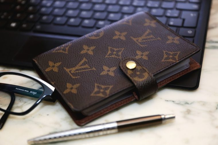 Louis-Vuitton-Agenda-monogram-canvas-PM-Size-guide-Shopping-Setup-inserts-who-is-louis-LIVING-LIKE-GOLIGHTLY